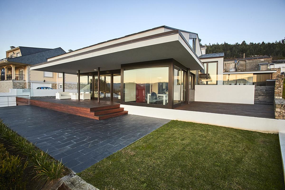 Vivienda unifamiliar en celeiro viveiro arnela for Vivienda unifamiliar arquitectura